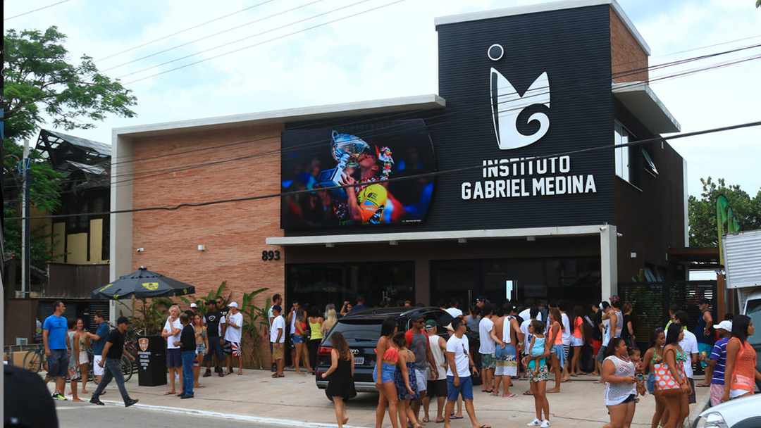 Gabriel Medina opened his new Institute of Surf