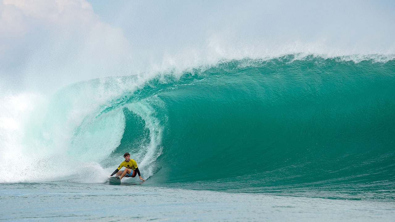 Jack Robinson Wins 2018 Rip Curl Cup  On The Swell Of The Year At Padang Padang
