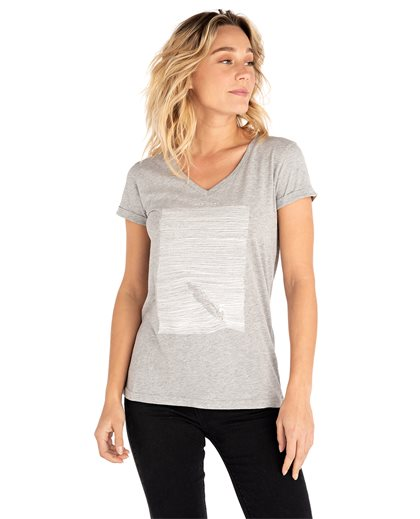 Minimalist Wave V Neck Tee