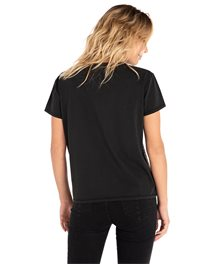Minimalist Wave Cropped Tee